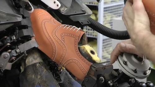 Automatic Bootmaking
